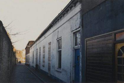Kleine Kerkstraat 2, 4, 6 voor restauratie